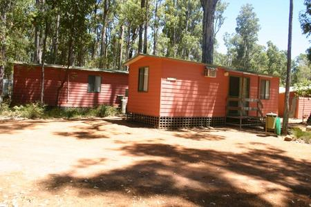 Dwellingup Chalets And Caravan Park - Accommodation Find