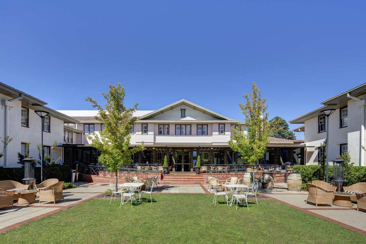 Hotel Kurrajong Canberra - Accommodation Find